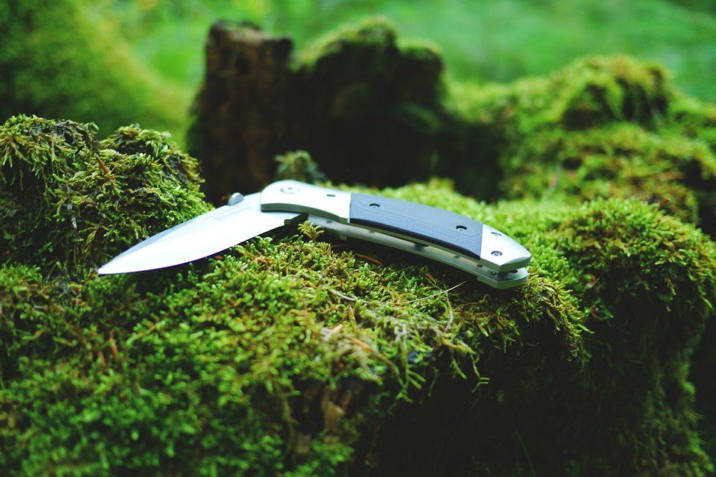 dream knife stabbed