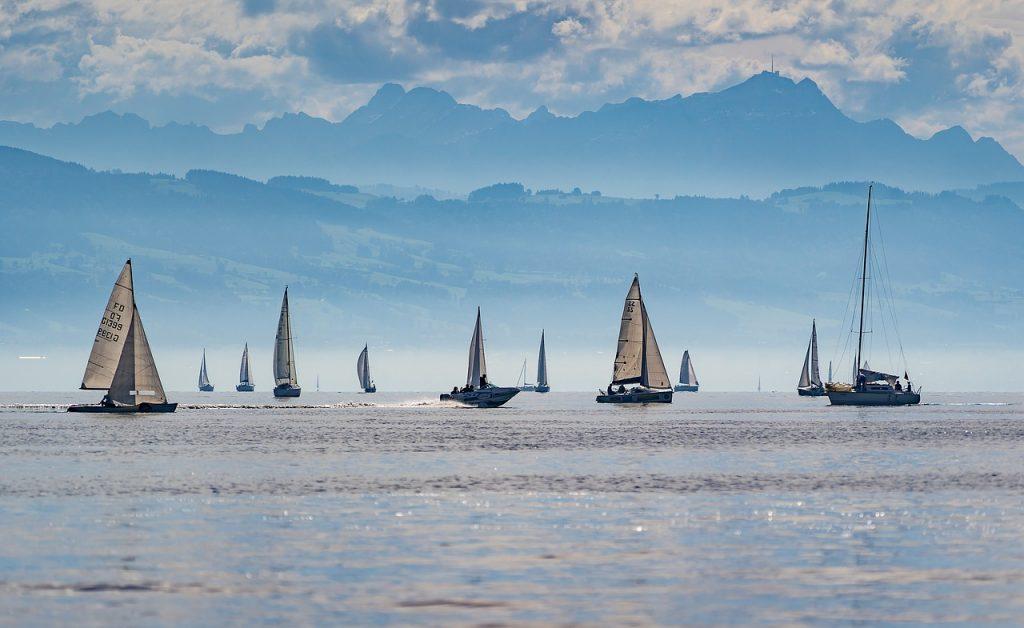 dream boat sailing