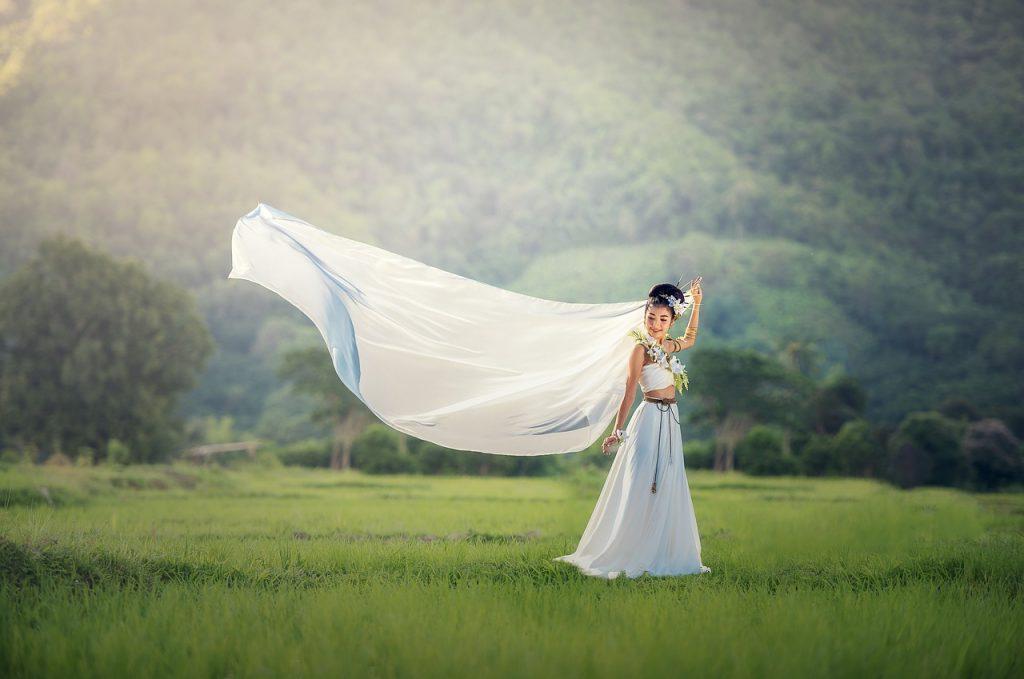 dream meaning wedding dress