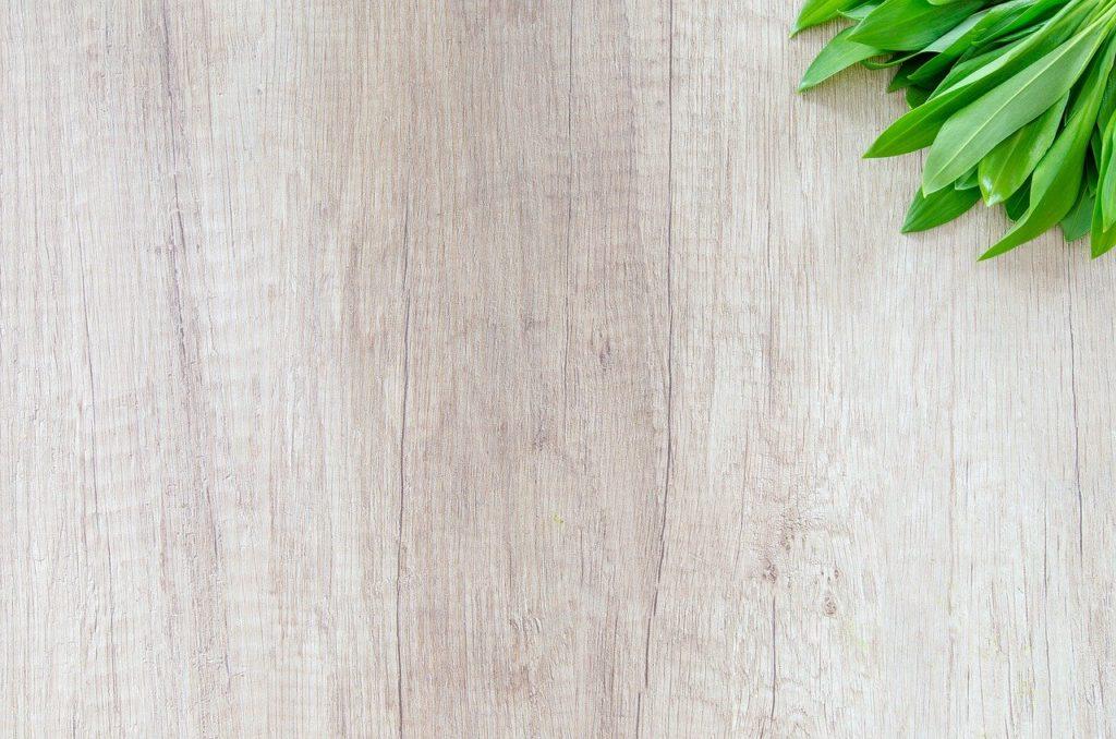wooden table dream interpretation